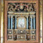 Vierge à l'Enfant et st Jean-Baptiste dans un retable XVIIIe
